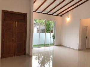 Brand New House @ Thalawathugoda