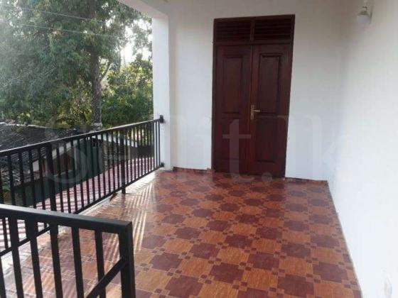 Up-Stair House for rent in Maharagama (Arrawwala)