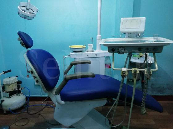 used dental chair with accesories