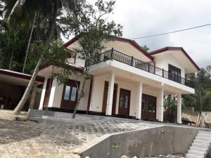 Luxury house for sale in Gampaha | Bemmulla