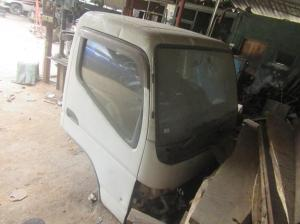 Mitsubishi Canter lorry face for sale in Urapola