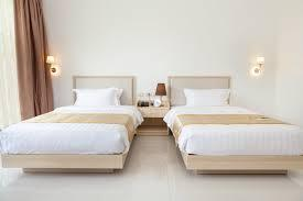 2 single beds with mattreses.