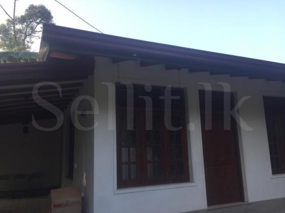 Newly Built House For rent in Nittambuwa