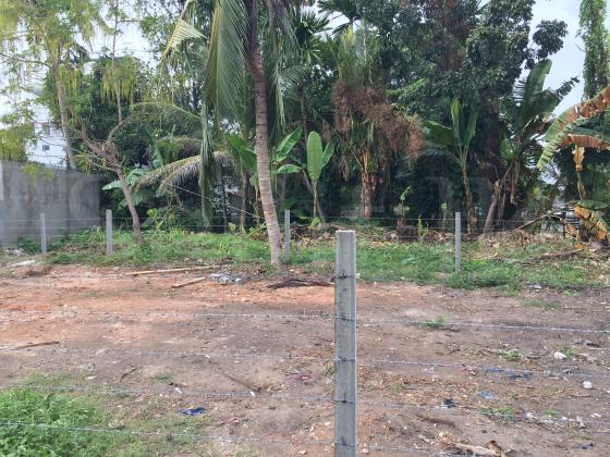 Land for sale Moratuwa! Water Front.