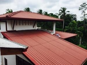 Roof makers Service
