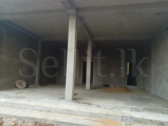 875sqft shop and Land for rent