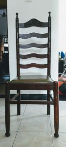 Used dining table chairs