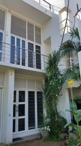 TWO BED ROOM UPSTAIR UNIT AT NUGEGODA FOR RENT