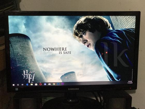 Samsung 19 inches LED monitor