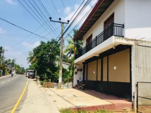 House And Shops For Rent In Mawanella