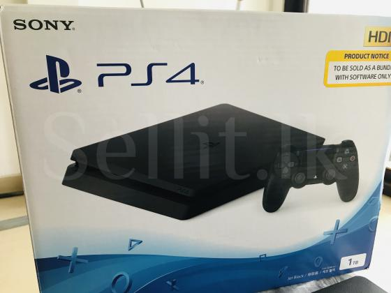 PlayStation 4 with 6Months warranty