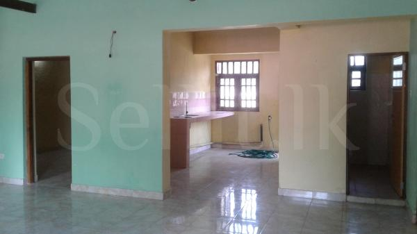 Upstairs of a House for Rent in Thalpitiya