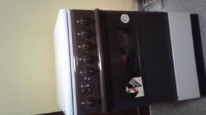 Indesit Oven with 3 gas and one electric cooker for sale